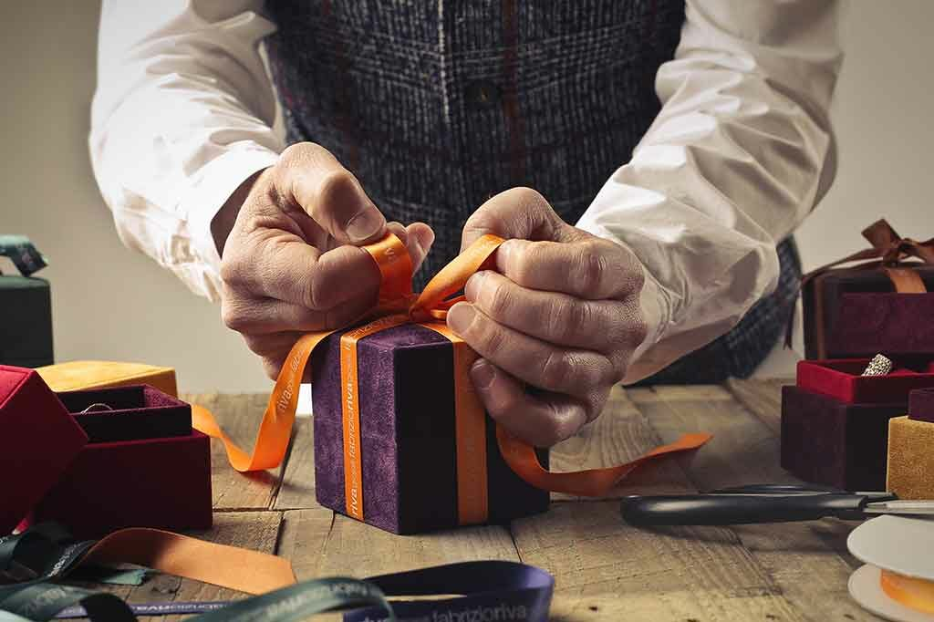 Custom Gift Wrapping feature