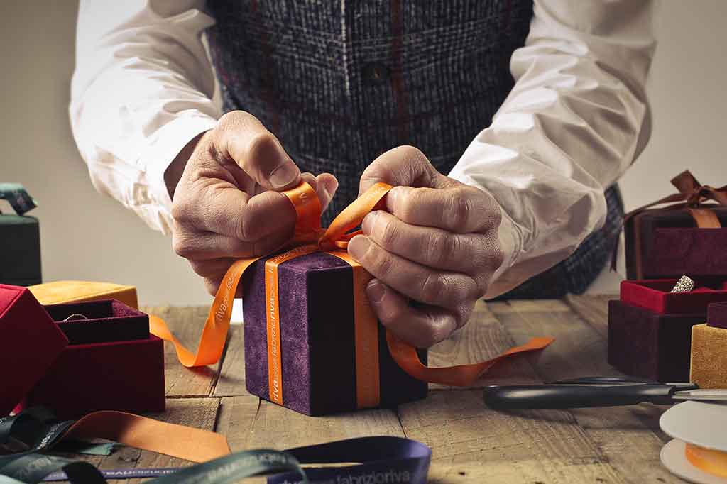 Custom Gift Wrapping Options